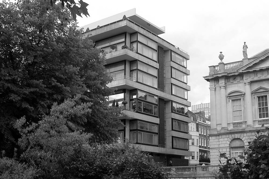 Denys Lasdun, The Modern House
