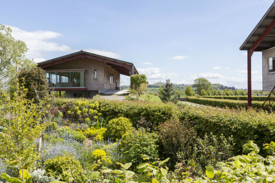 The barn near wells and glastonbury uk sleeps 2 4 the for Modern house holiday lets