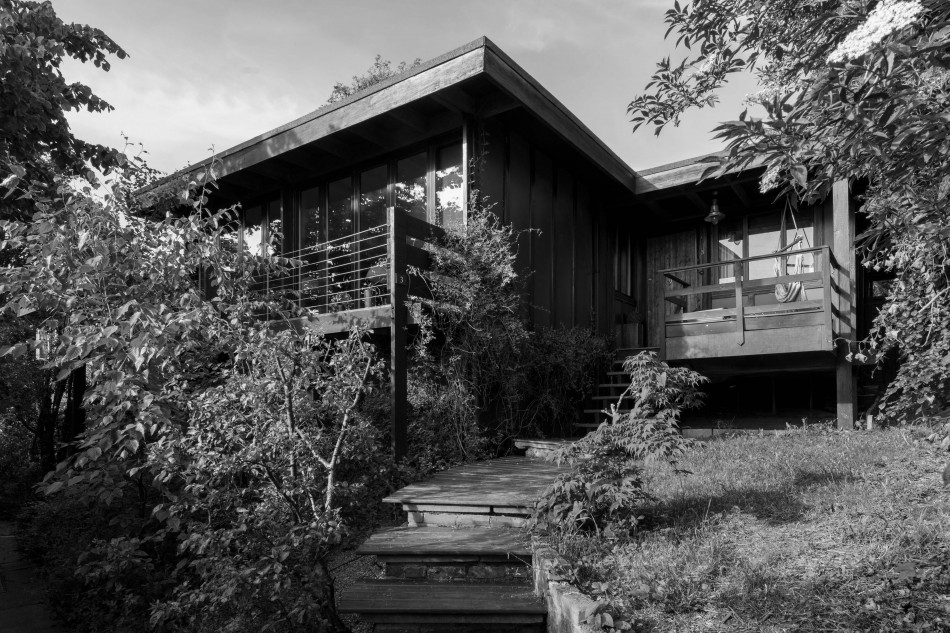 Walter segal the modern house a to z of modern design for Architect directory