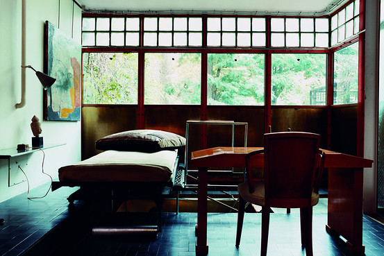 house of the week maison de verre by pierre chareau journal the modern house. Black Bedroom Furniture Sets. Home Design Ideas
