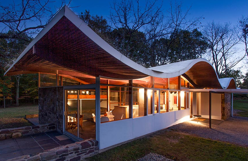 What S On The Market Undulating Roof House By Jules