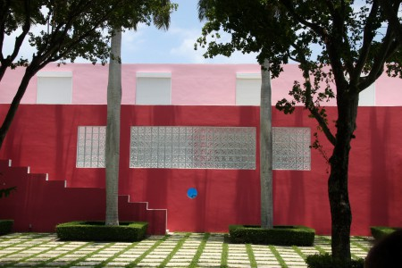 HOUSE OF THE WEEK: Pink House in Miami by Arquitectonica