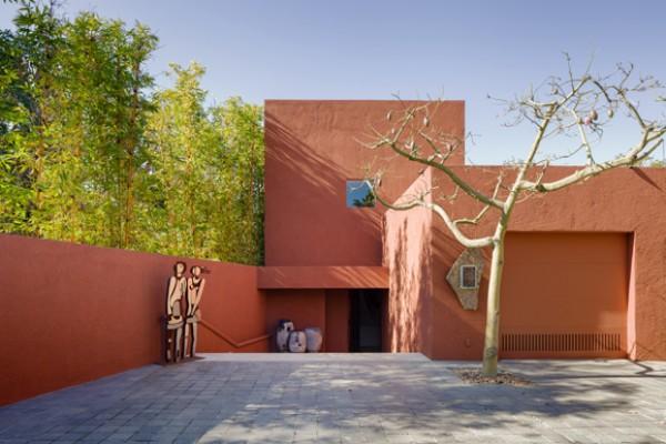 Whats It Worth >> WHAT'S ON THE MARKET: Casa Shapiro by Ricardo Legorreta ...