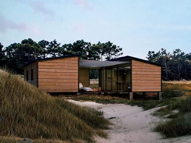 What we 39 re seeing charlotte perriand 39 s modern beach house for Modern house journal