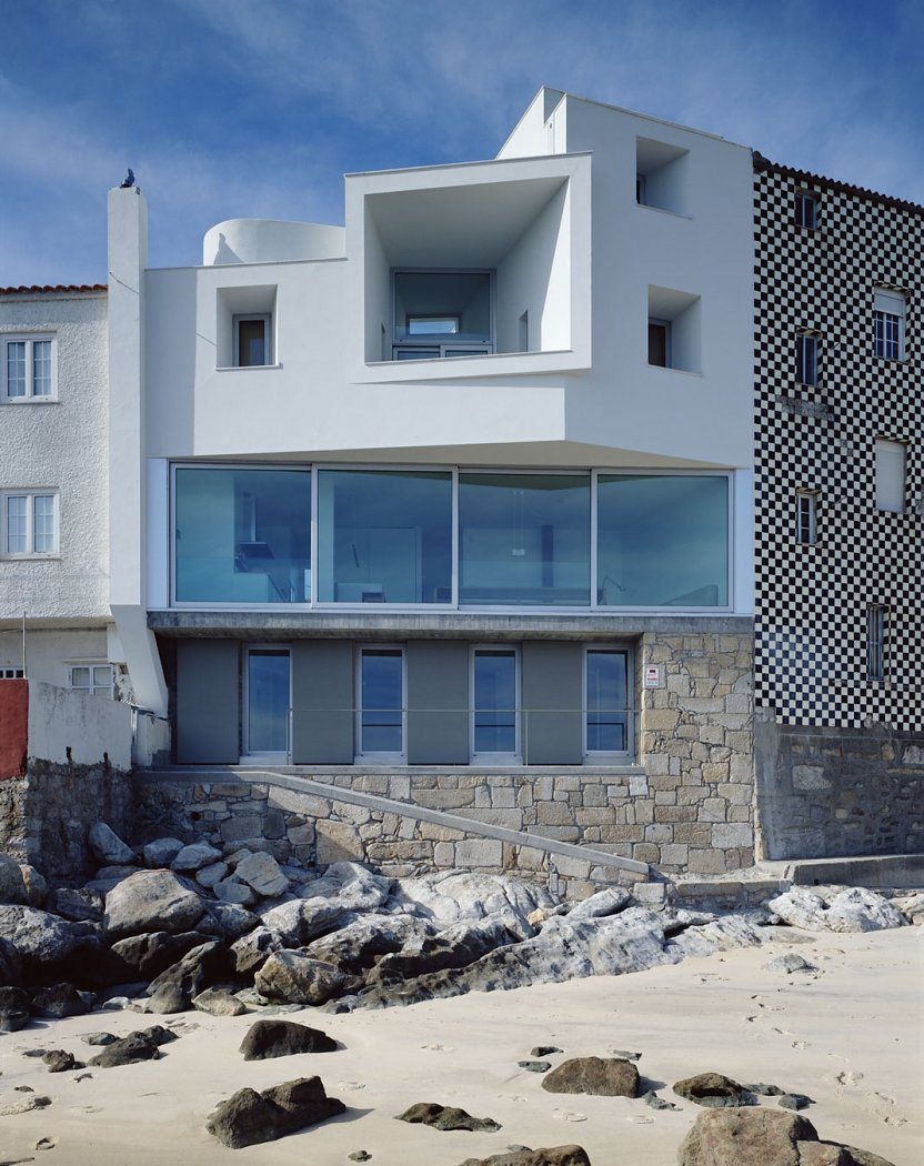 House of the day private house in corrubedo by david for Home daylight