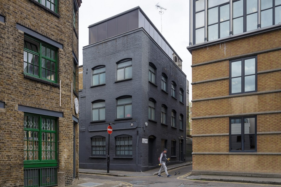 Fog house clerkenwell close london ec1 the modern house for Modern house london