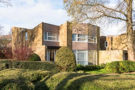 New Ash Green, The Modern House