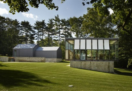 What's on the Market: Wiley House by Philip Johnson