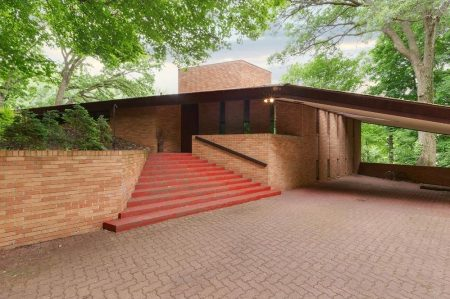 What's on the Market: Paul Olfelt House by Frank Lloyd Wright