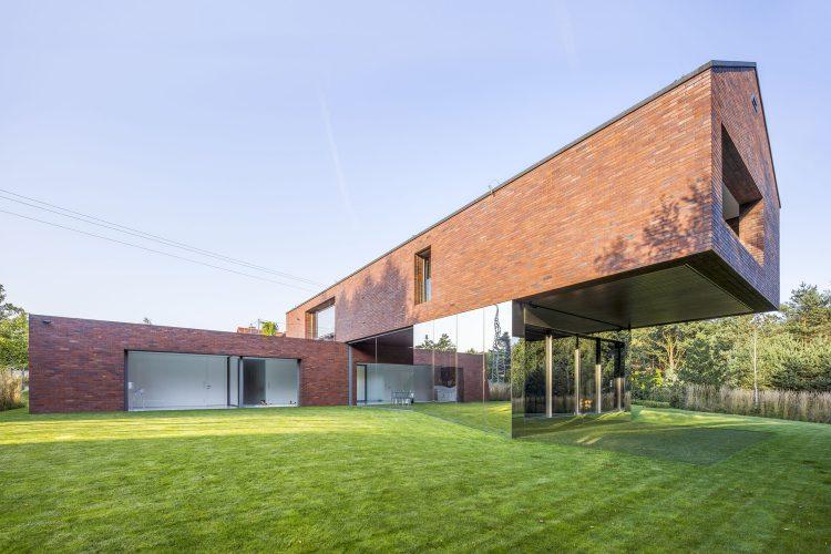 Living-Garden House, The Modern House