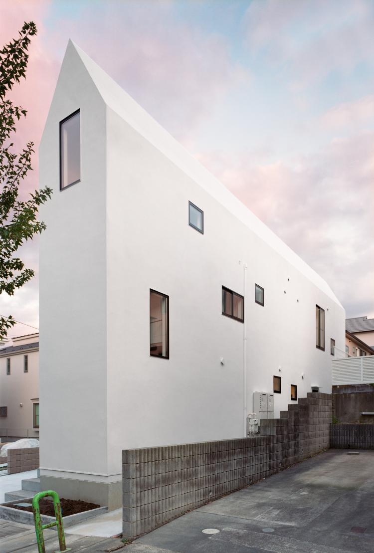 HouseK, The Modern House