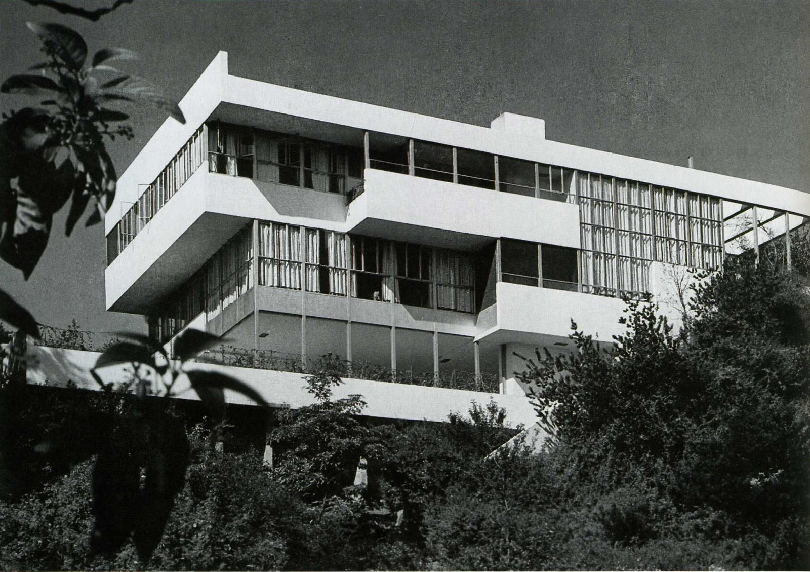 Lovell House, Richard Neutra, The Modern House