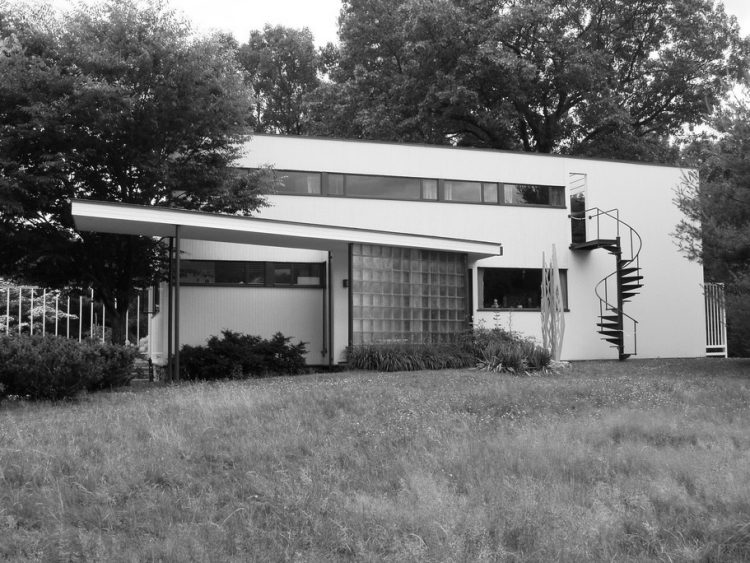 Gropius House, The Modern House