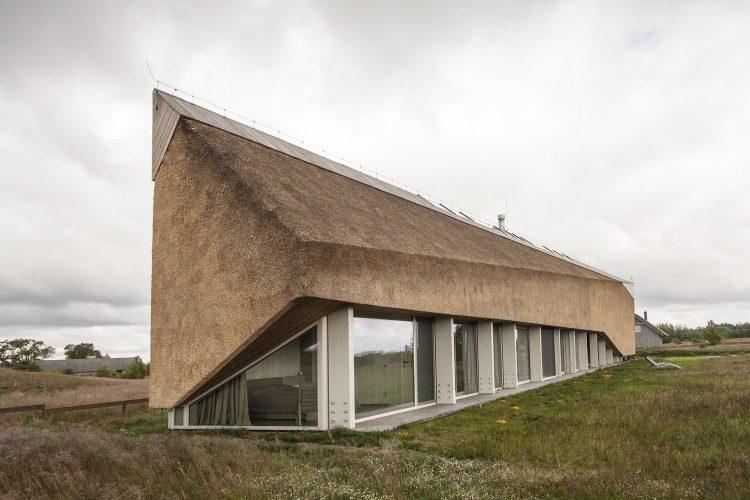 The Dune House, The Modern House