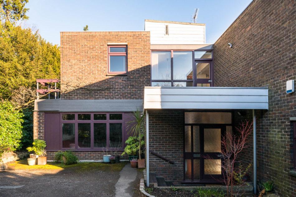 Under offer & Yester Road Chislehurst London BR7 | The Modern House