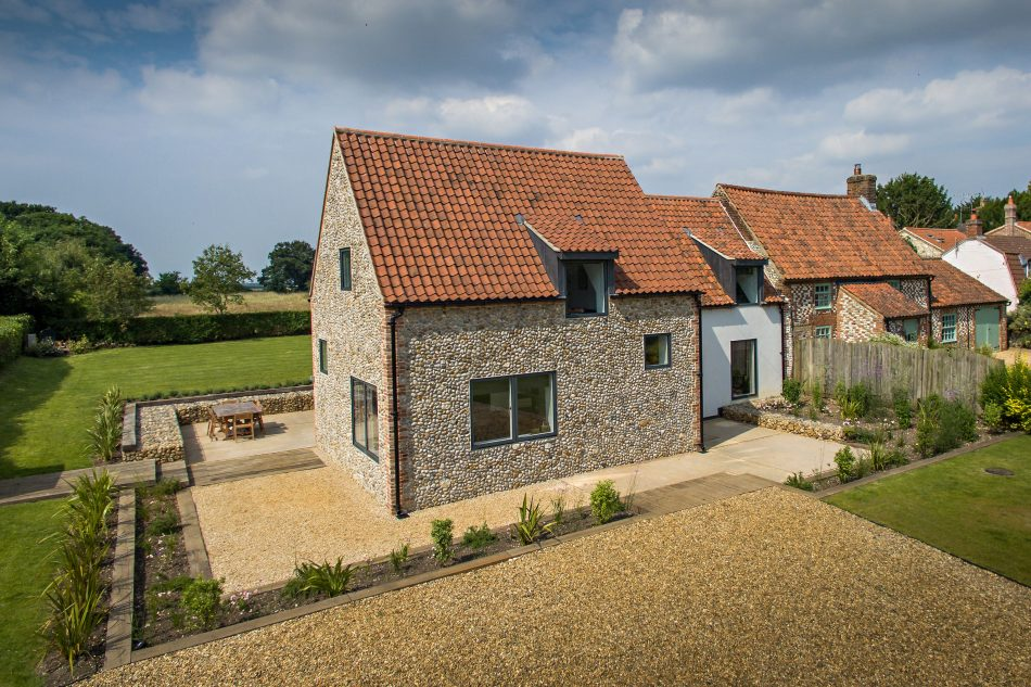Stanhoe cottage norfolk uk sleeps 6 the modern house for Modern house holiday lets