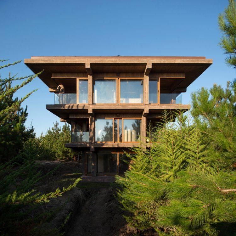 Nida House, Pezo von Ellrichshausen, The Modern House