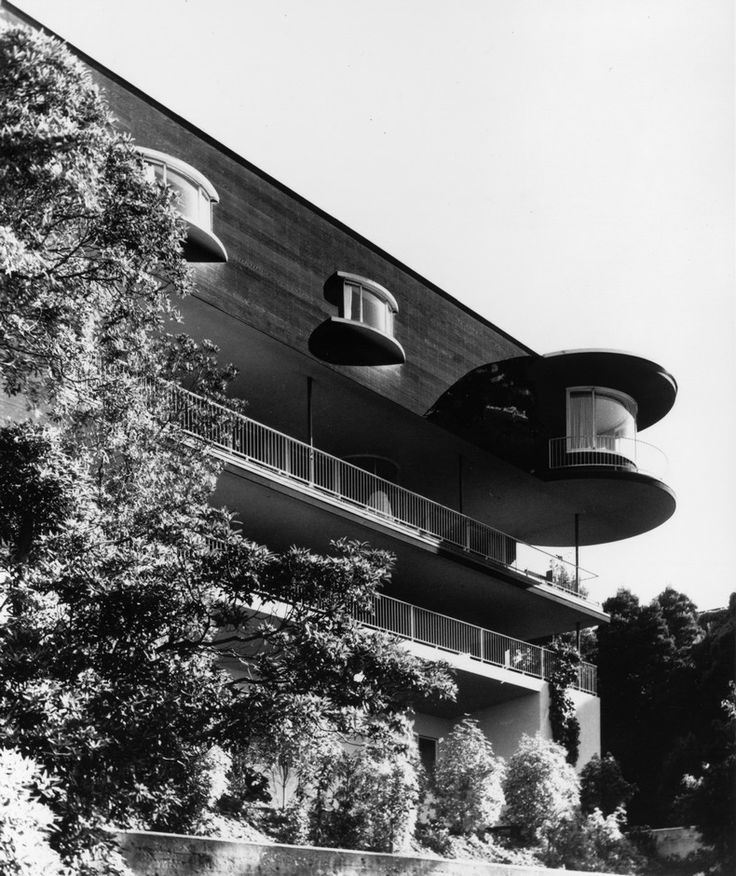 Russell House, Erich Mendelsohn, The Modern House