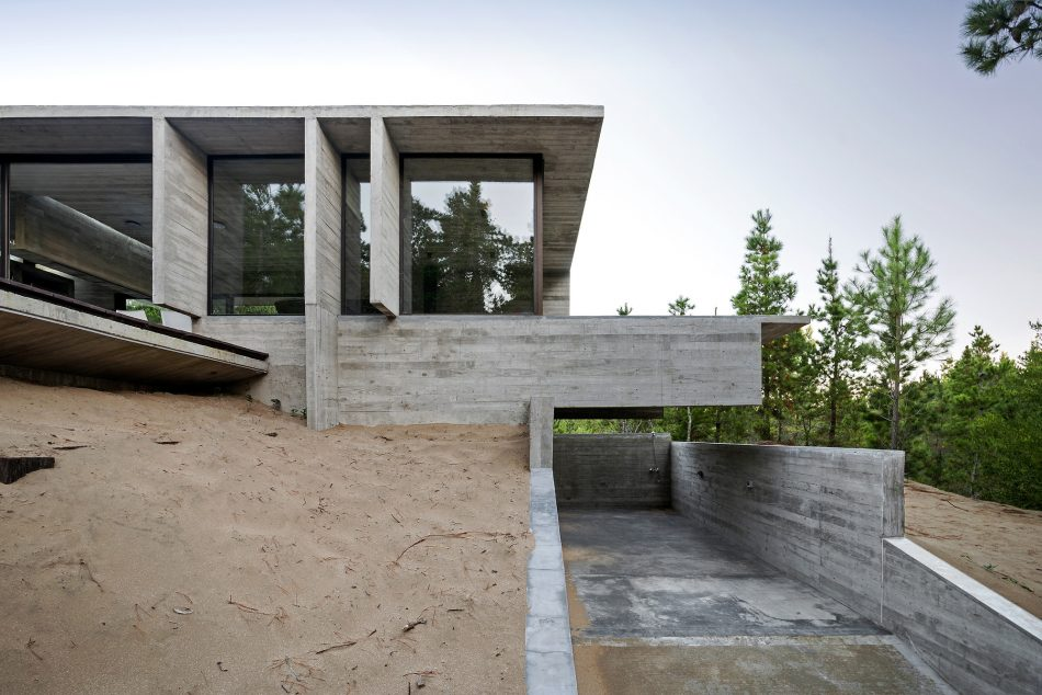 Wein House, Besonias Almeida Arquitectos, The Modern House