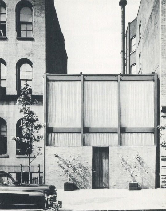 Rockefeller Guest House, Philip Johnson, The Modern House