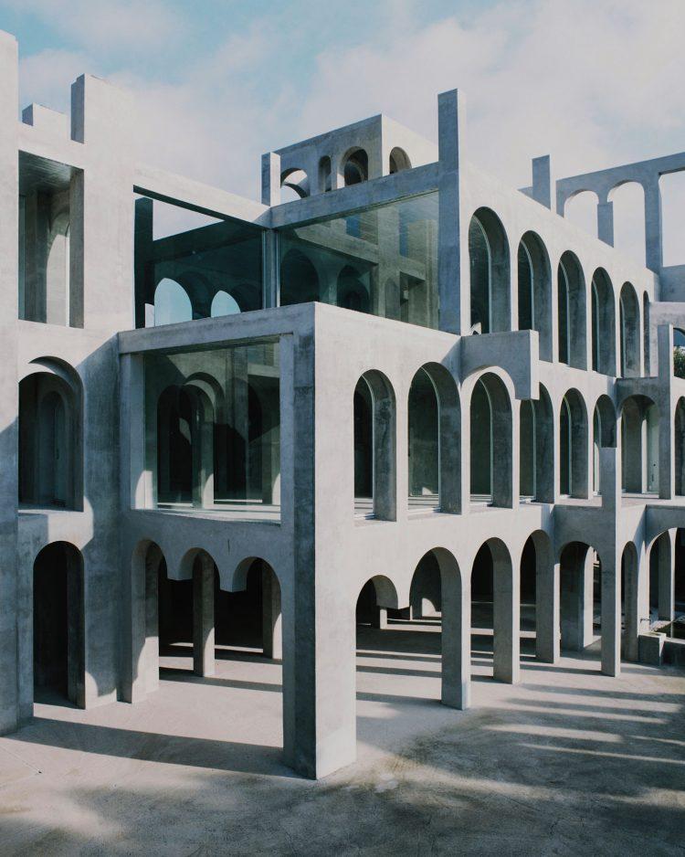 Xavier Corbero's house, The Modern House