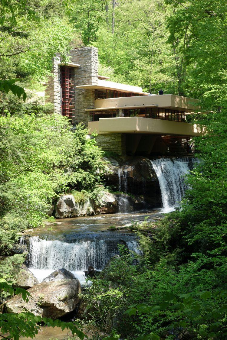 Fallingwater, Frank Lloyd Wright, The Modern House