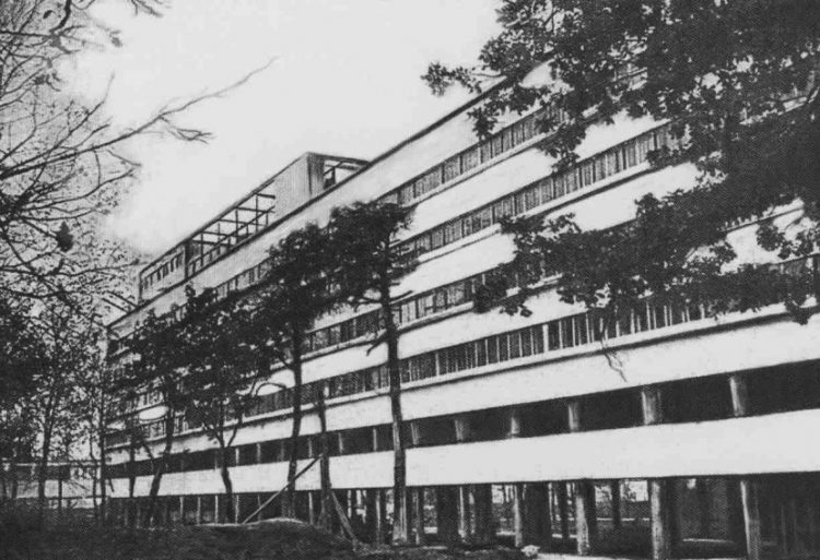 Narkomfin Complex, Moisey Ginzburg, The Modern House