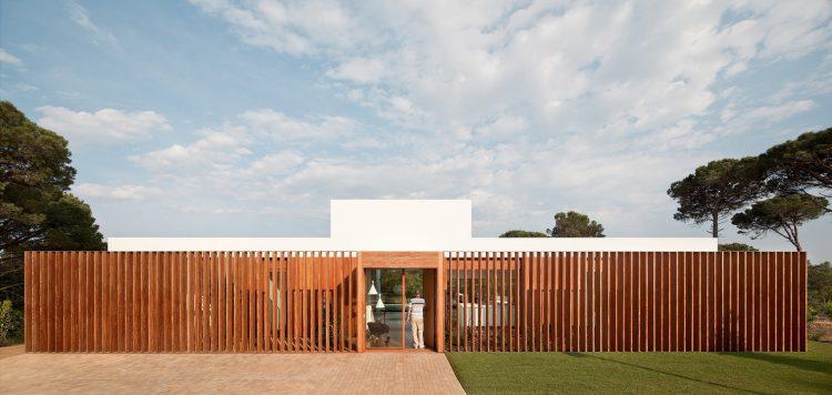 SIFERA House, Josep Camps & Olga Felip, The Modern House