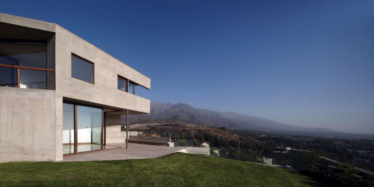 Mirador de los Dominicos House by Carreno Sartori Arquitectos, The Modern House