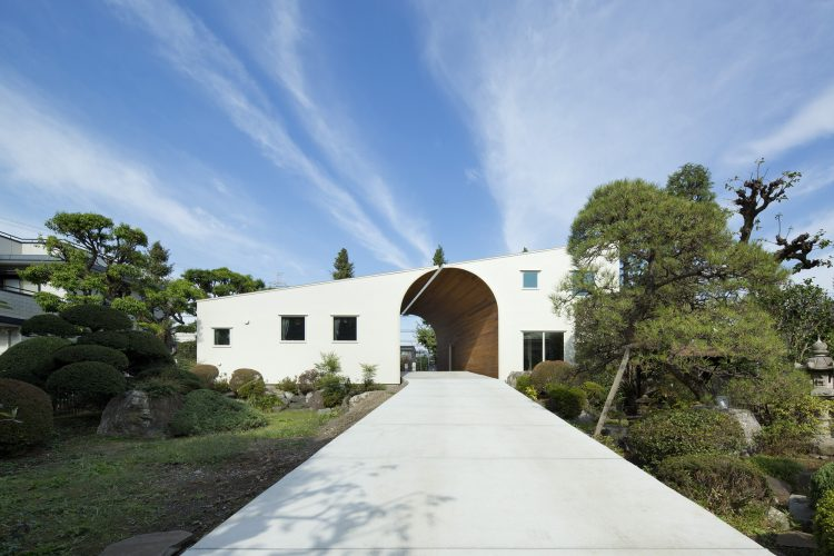 Arch Wall House, Naf Architect & Design, The Modern House