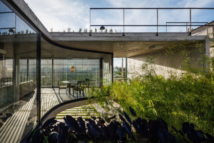LEnS House by Obra Arquitetos