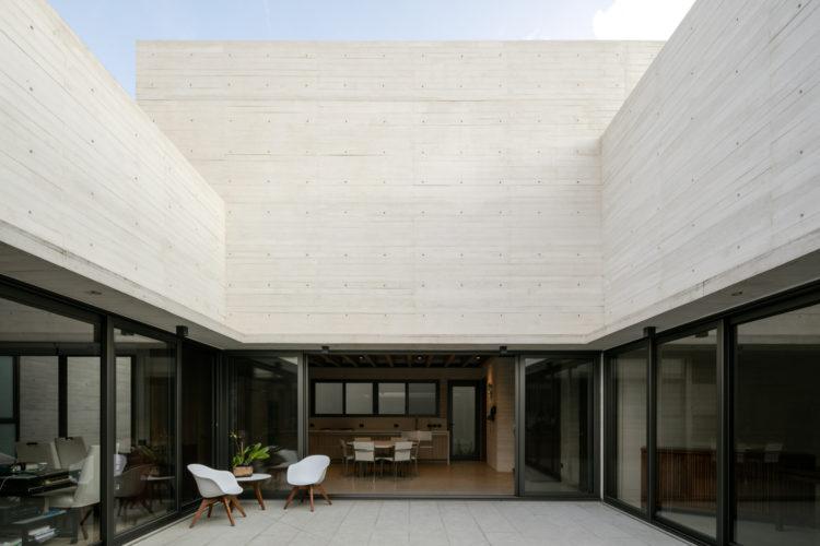 House of the Day: Acolhúas House by SPRB arquitectos