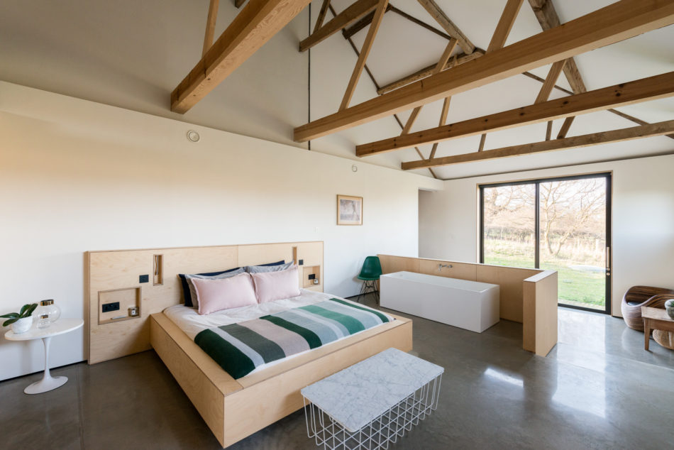 Minimalist interiors, The Modern House