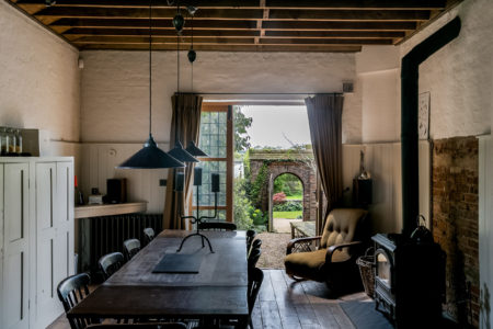 Going Up the Country: modern country houses outside London