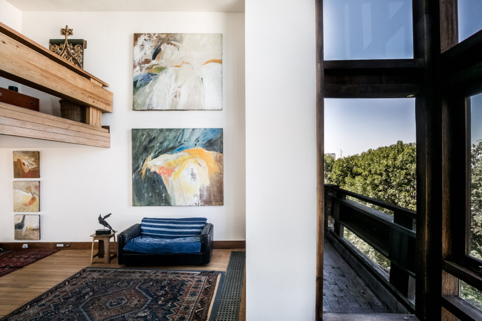 the double-height living room