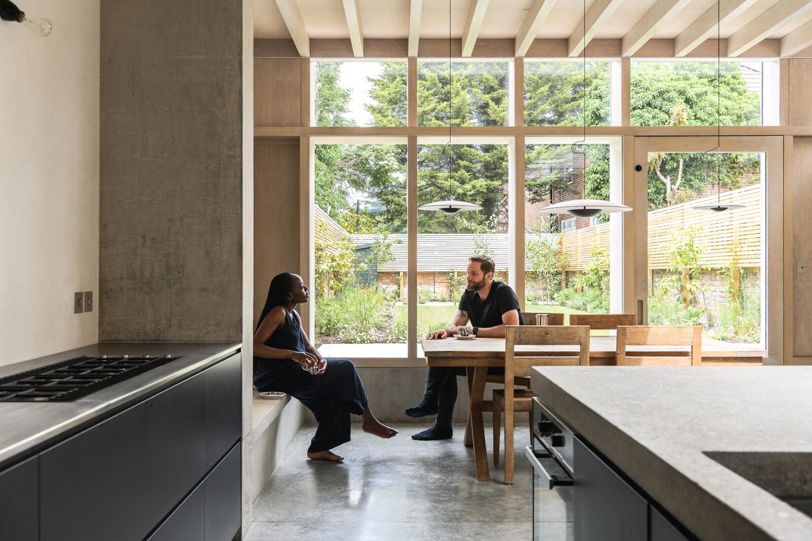 Concrete-Plinth-House_02-1600x1067.jpg