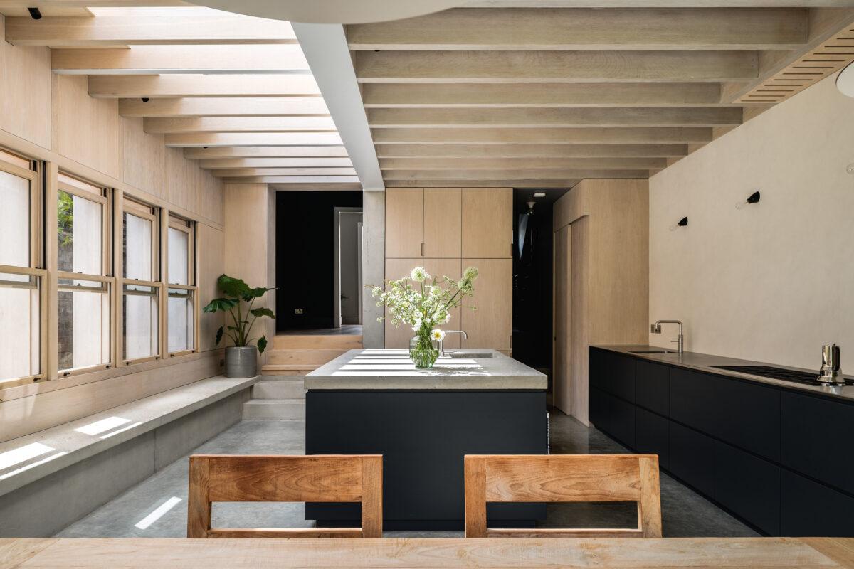 Concrete-Plinth-House_08-1200x800.jpg