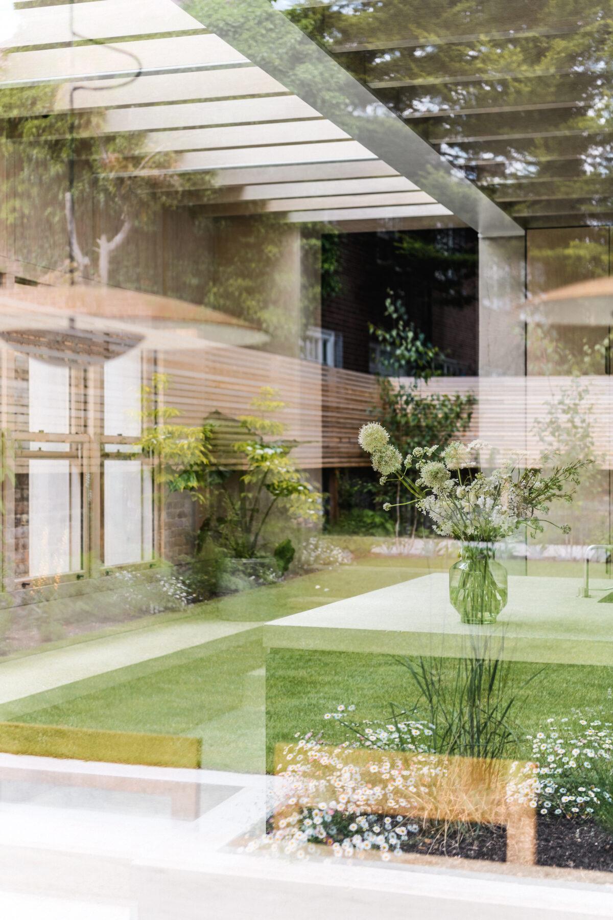 Concrete-Plinth-House_21-1200x1800.jpg